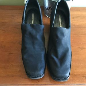 Donald Pliner platform slip on black shoes size 10